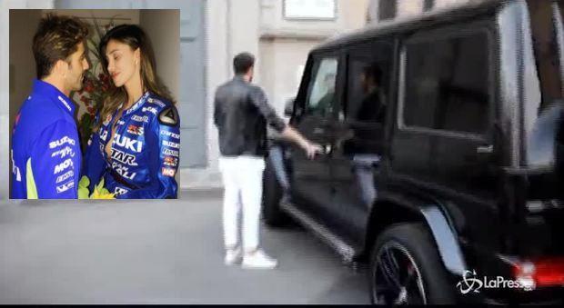 iannone parcheggia il Suv e se la ride poi chiede scusa_26131423